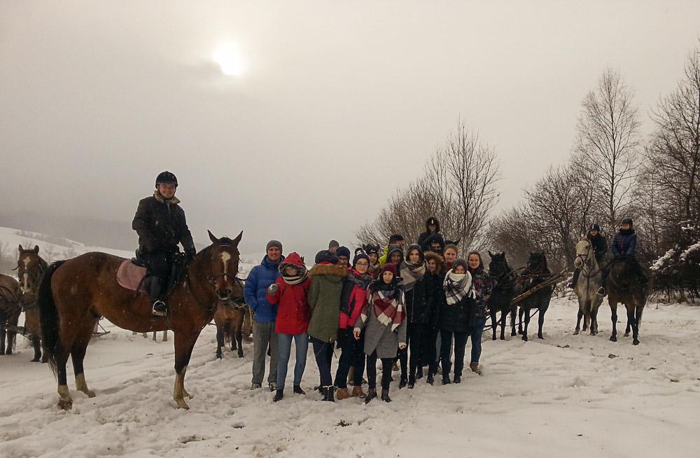 Historia, konie, kiełbaska i kulig – zimowa przygoda humanistów