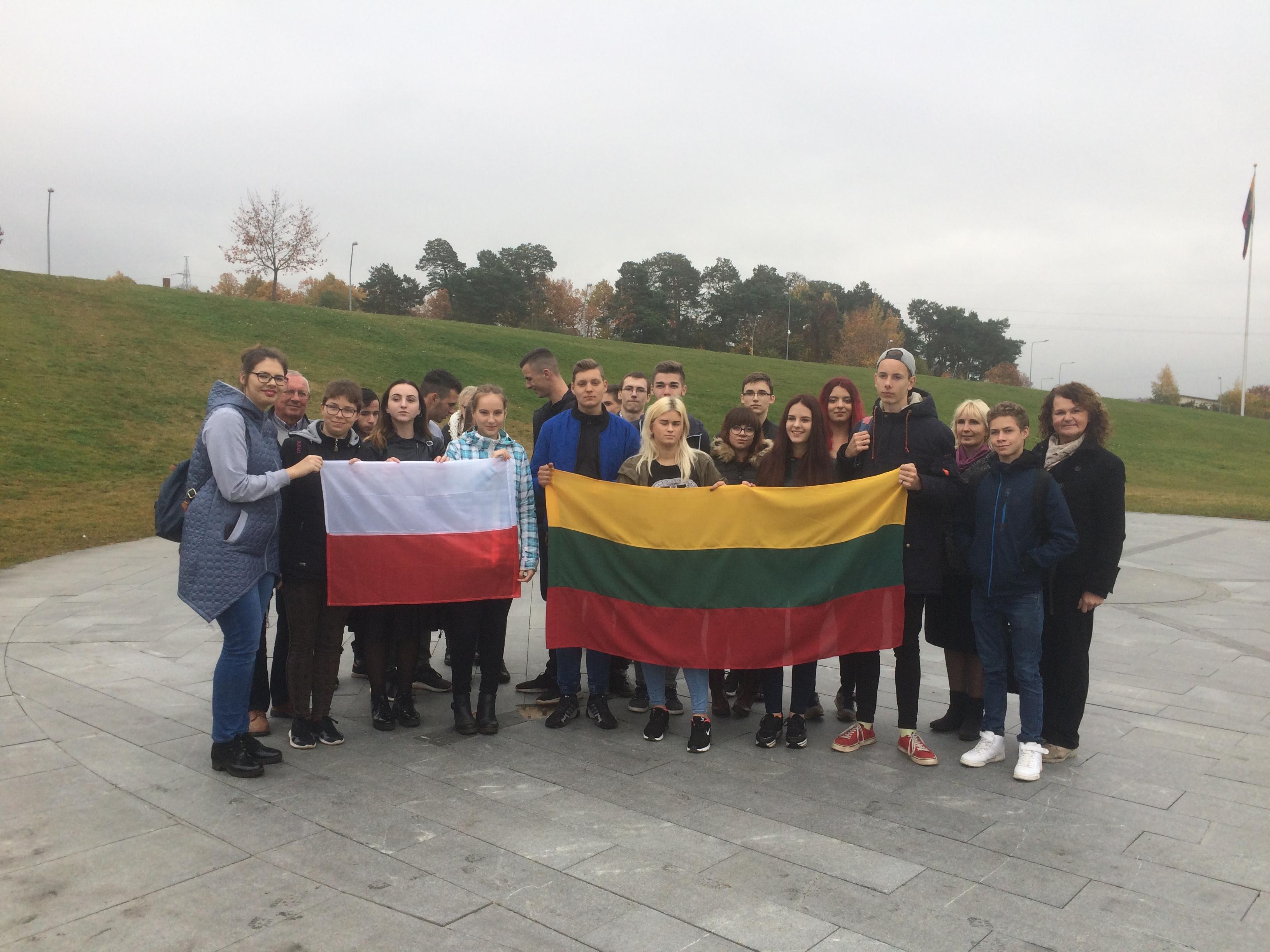 """Młodzież z """"Grottgera"""" z wizytą na Litwie"""