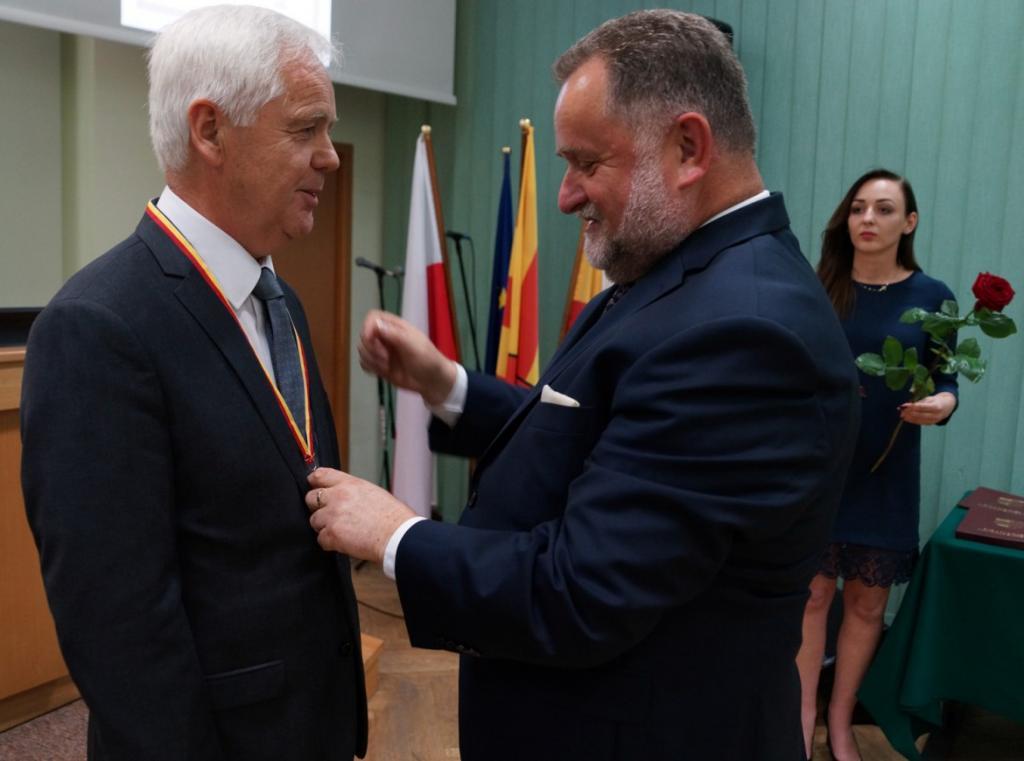 """Profesor Franciszek Krok, absolwent grybowskiego LO, """"Zasłużonym dla Ziemi Sądeckiej"""""""